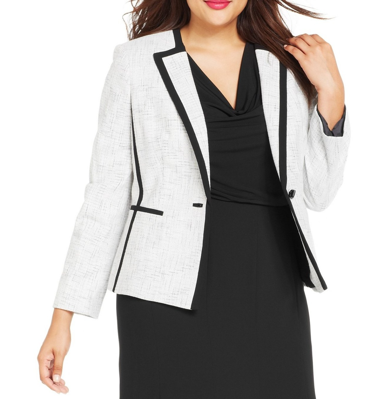 Plus Size & Curve Coats and Jackets Whether it's freezing outside or just a late summer night getting chilly, our selection of plus size coats and jackets is the perfect last touch to your outfit. Layer up or keep cosy, our plus size jackets are just what you need!